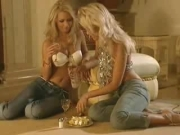 Sapphic Fuckfest – 2 Sizzling Blondes