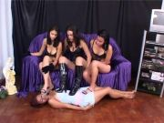 Latin gimp idolizes soles of trio women and gobbles spit