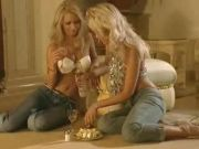 Lesbo Romp – Two Super-steamy Blondes