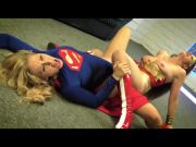 Wonder Gal vs Super Girl
