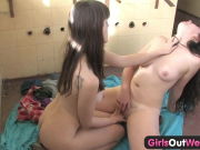 Girls Out West – Red-hot Australian lesbian brunettes